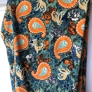 Pants - Lularoe one size leggings